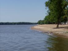 The shore of the Mississippi River at Buffalo Shores Beach.