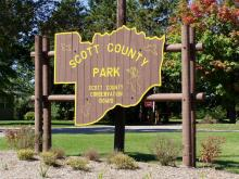 The welcome sign to Scott County park.