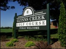 Golf course welcome sign