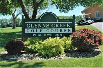 Glynns Creek welcome sign.
