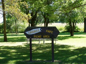 Sign to the Crooked Knife Picnic Area.