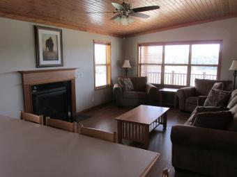 Summit Cabin living room and dining area.