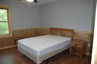 Bedroom of Kestrel cabin.