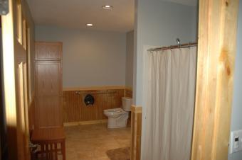 Bathroom in Kestrel cabin.