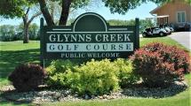 Glynns Creek Golf course welcome sign.